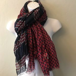 Banana republic red blue Patricia Geo Print Scarf